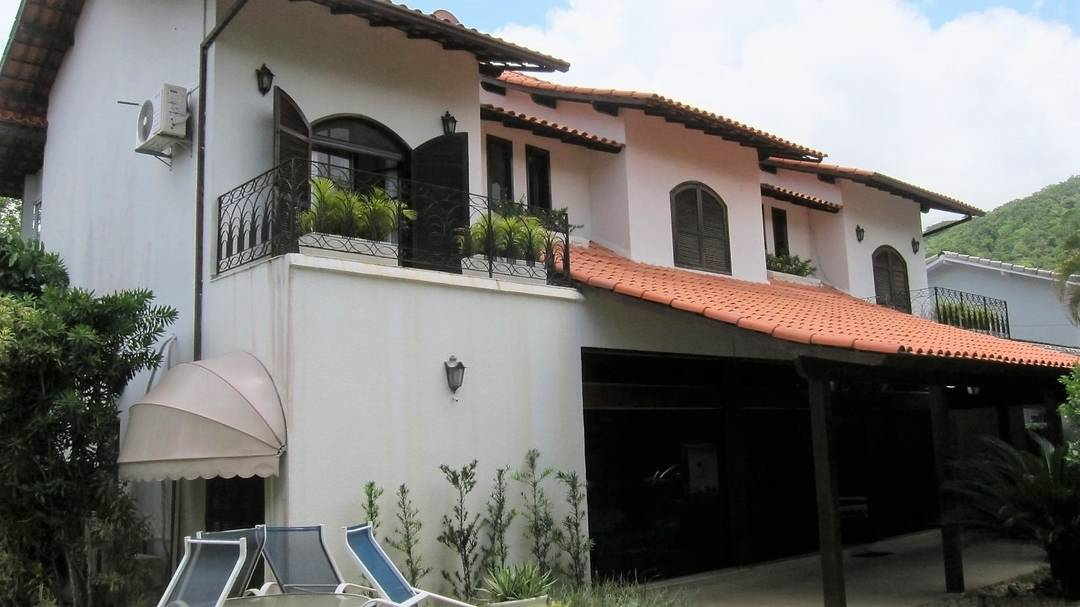 Excelente casa no Jardim Ubá 1
