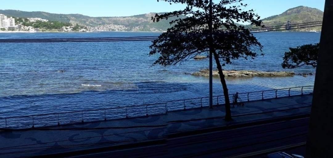Frontal Mar, Varandão com piscina, Salão, 4 Quartos 2 Suítes