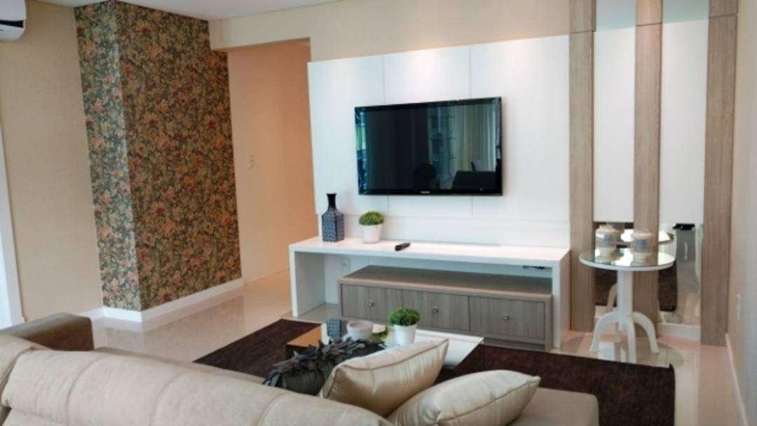 Belíssimo apartamento à venda, quadra mar em Itapema