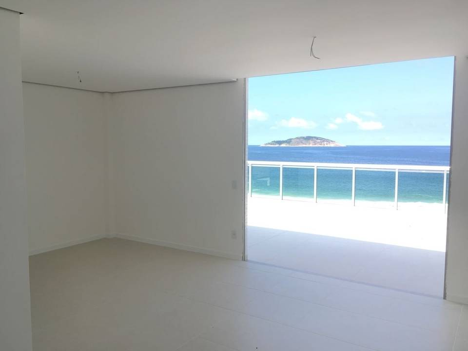 Surf Beach Residence