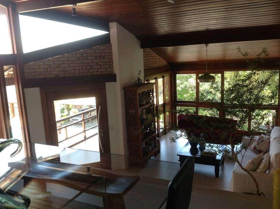 Casa em condomínio Camboinhas