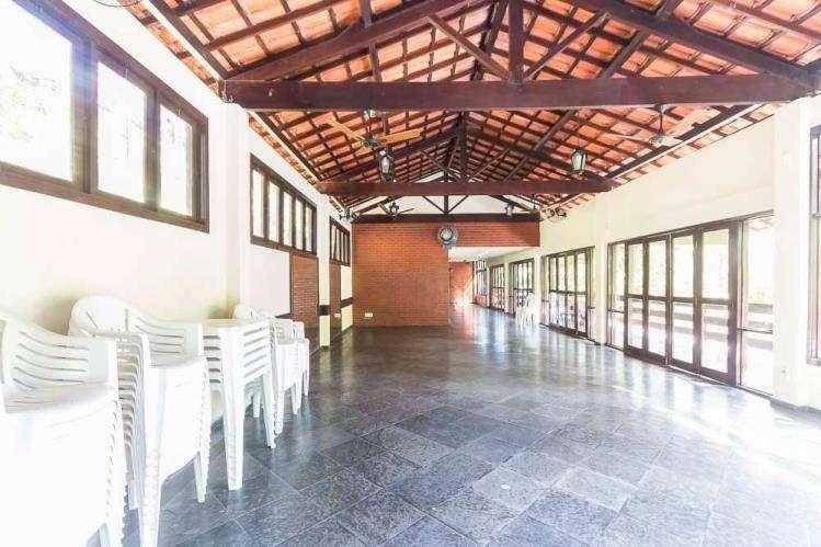 Casa Triplex -3 quartos - Condomínio Itaipú
