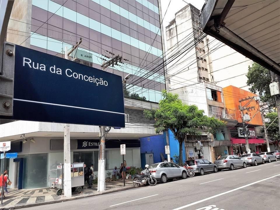 LOJÃO BEIRA DE RUA COM 300 m2 - MIOLO DO CENTRO DE NITERÓI
