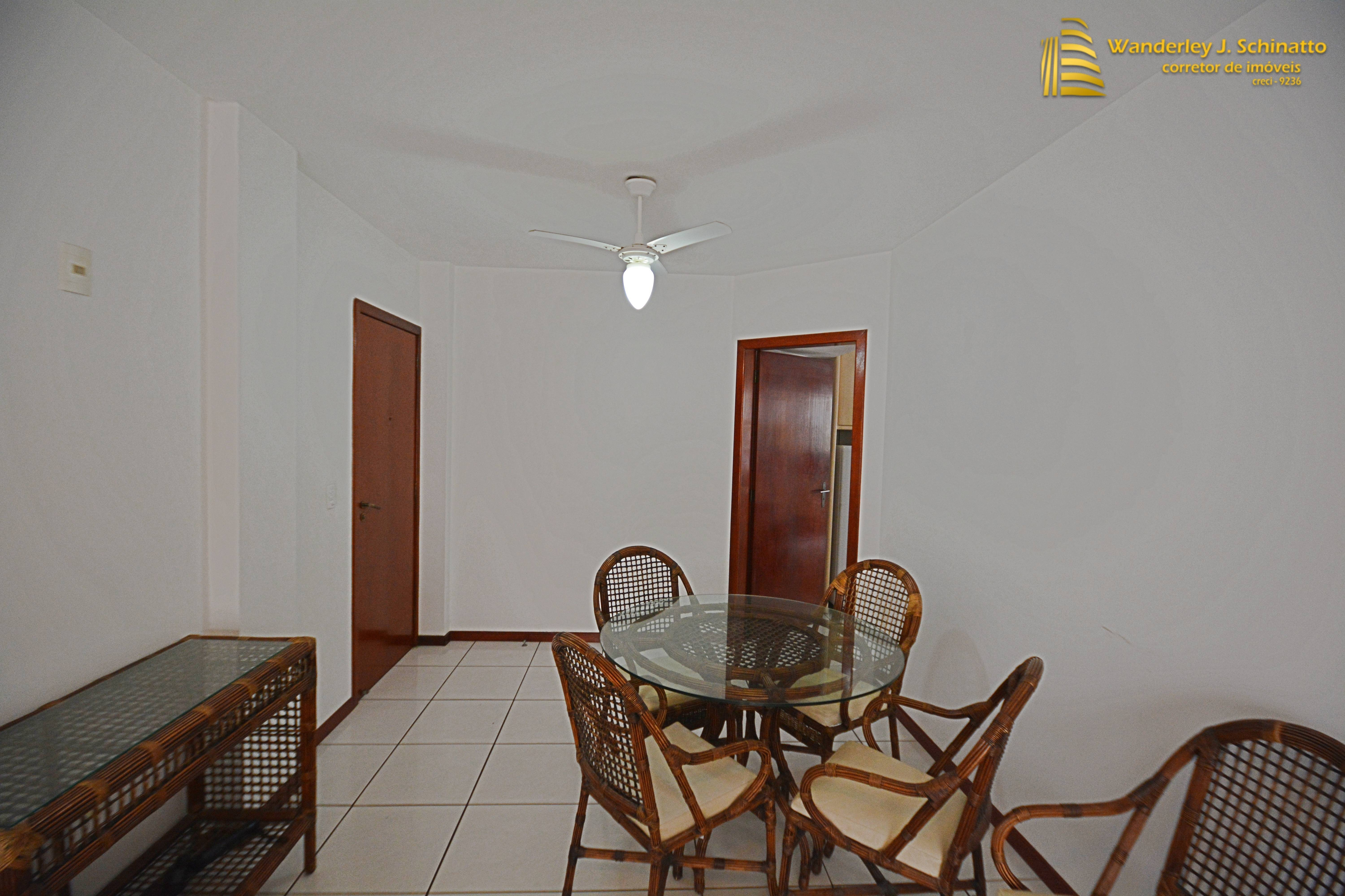 Apartamento mobiliado na quadra do mar